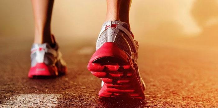 cuidar-pies-al-correr